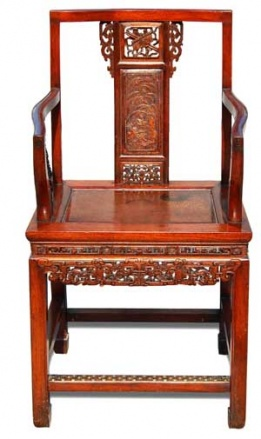 Peranakan Chinese teak armchair or Hak Su Le (19th century; height: 101 cm; width: 53.5 cm). Courtesy of Denindo Auction House